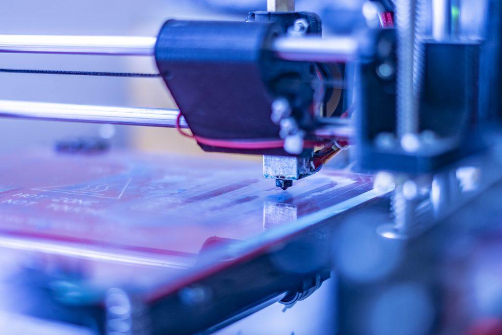 Futuristisches Foto eines 3D-Druckers.. micro und nano electronics